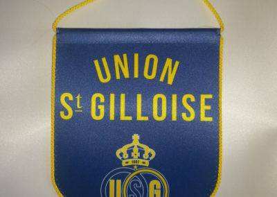 pennant with cord around